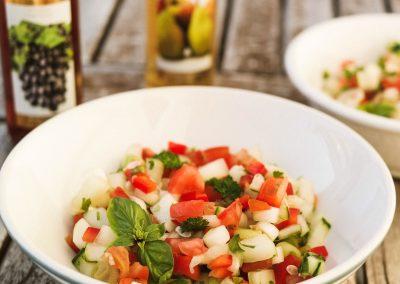 Tomaten-Gartensalsa mit Rotweinessig