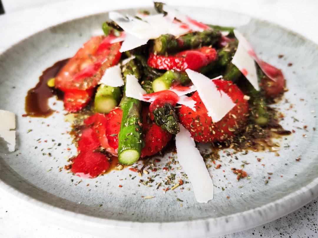 Erdbeer Spargelsalat Aceto Balsamico Oelmuehle Esterer